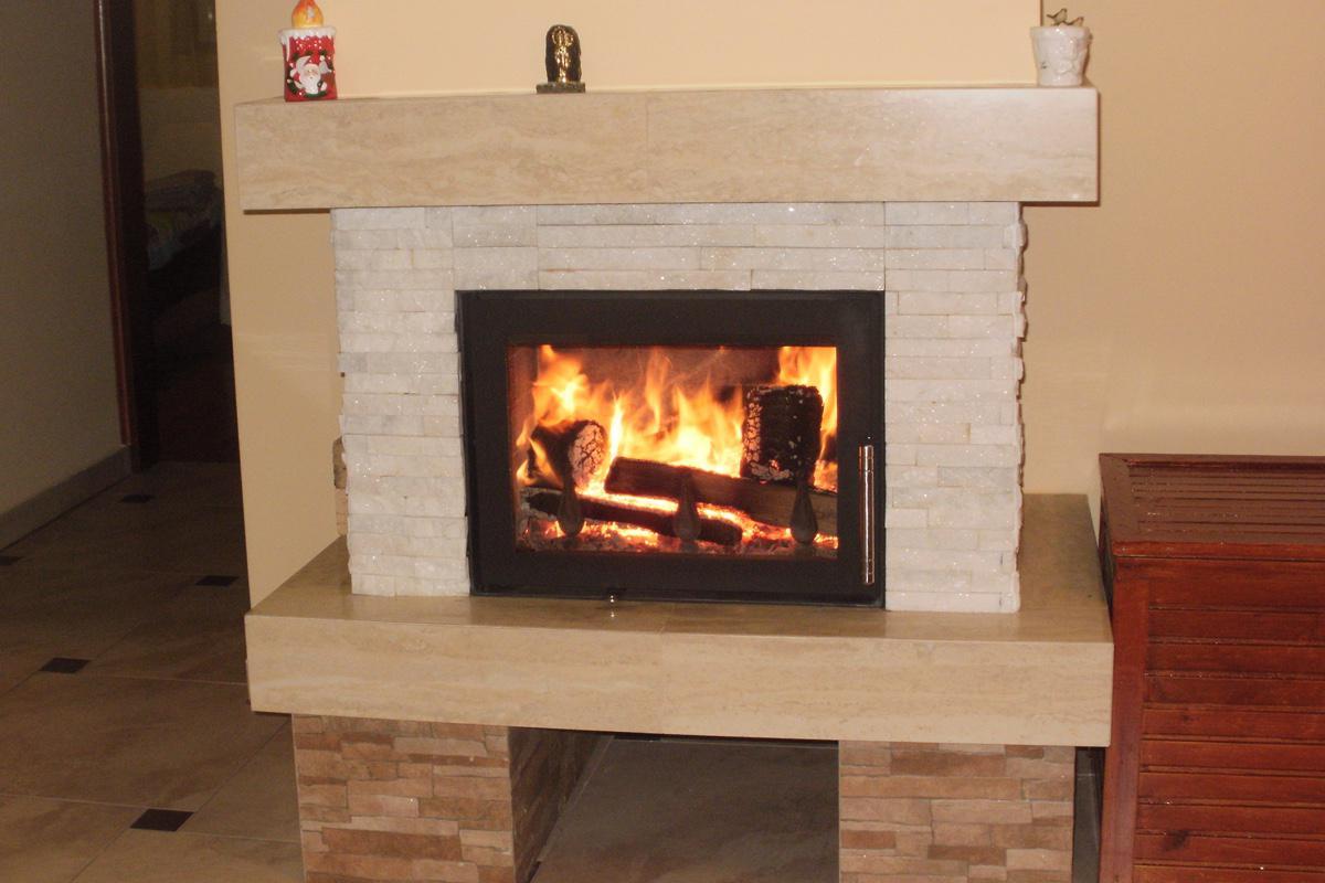 kamin jakov klasi ni kamin iz termotehnike. Black Bedroom Furniture Sets. Home Design Ideas